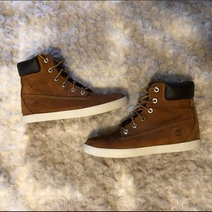 Women's Timberland sneakers/boots size 9